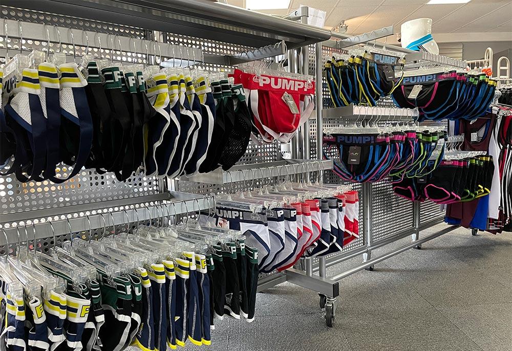 Pump! Underwear Display